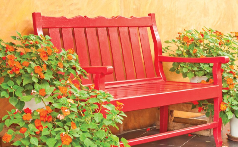 91020-Glo-Colour-bench_790x526