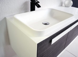 Solid surface bath