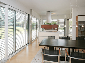 External metal venetian shade-blinds
