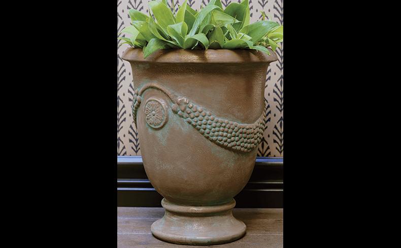 93061_Liquid-Bronze-pot-for-website
