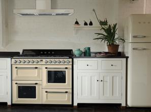 Vintage rangehood to match vintage stove