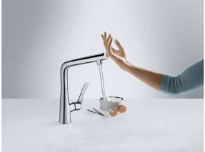 Turning the tap on and off without hands