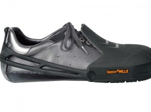Temporary safety overshoes for building-site visitors