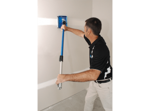 Rotatable long handle that makes plastering easier