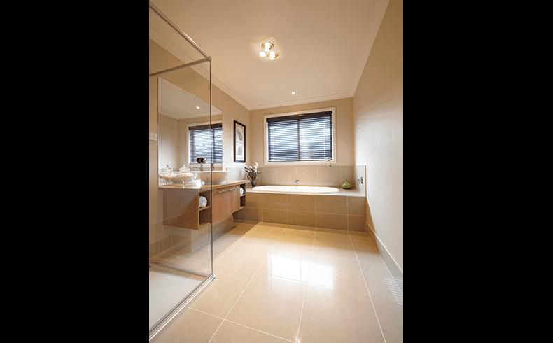 94119_11341_Triumph_Bathroom