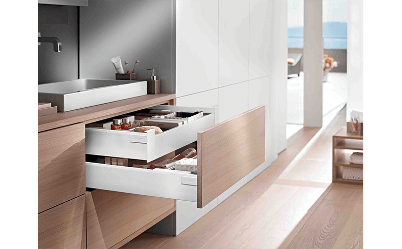 95010_Blum-Tandembox-intivo-inner-drawer-bathroom