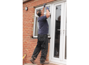 Risks associated with DIY glass installation