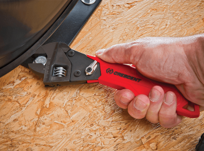 Adjustable ratcheting wrench for Tradies and DIYers