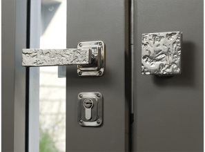 Hand-crafted door handles and levers in bronze from London