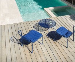 Outdoors furniture inspired by the beach-culture of the 1970s
