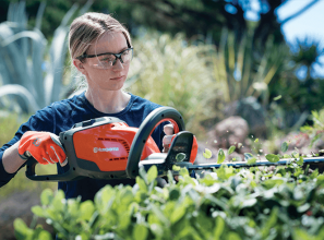 Battery-operated gardening tools from Husqvarna