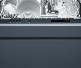 Heat-pump dishwasher