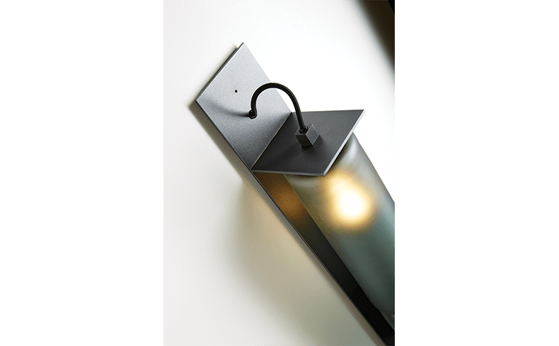 102016_Articolo-Architectural-Lighting_Eclipse_Wall-Sconce_Grey_02