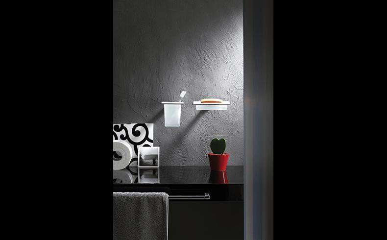102018_Pittella_Bathroom-Accessories_Cut_lifestyle