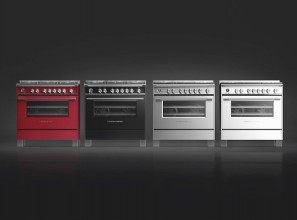 Freestanding cookers with 5 gas burners and a large oven