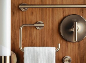 Bathroom accessories in precious metal finishes