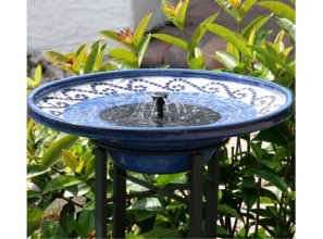 Solar powered birdbath