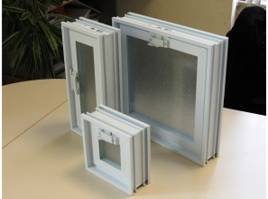 Vent windows for glass bricks
