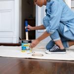 20190332C Dulux Paints painting the front door
