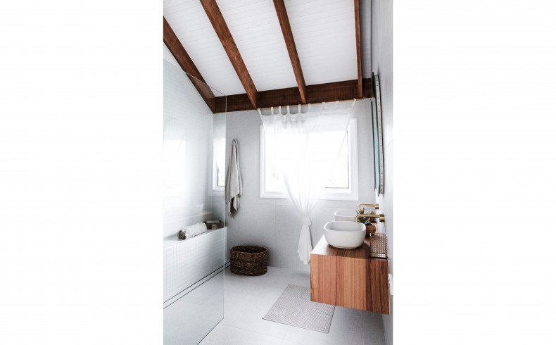 20190338C Highgrove Bathrooms blackbutt timber vanity.jpeg