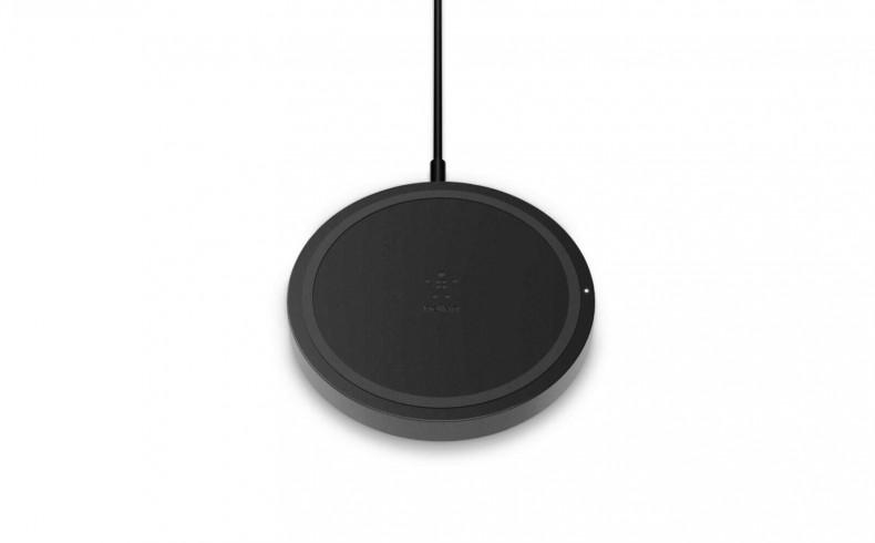 20190348C Belkin charging pad for phones