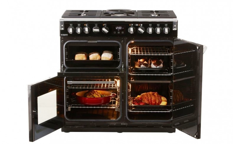 20190355C Richmond range cooker with gas cooktop
