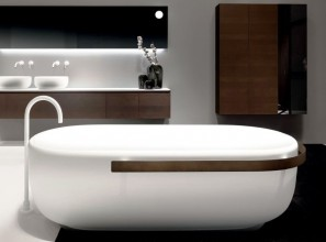Italian baths and basins made in a composite material resistant to heat and scratching