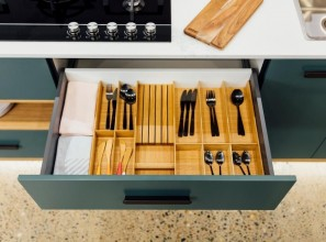 Drawer inserts for a tidier kitchen
