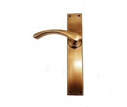 The Melbourne Handle in antique brass finish